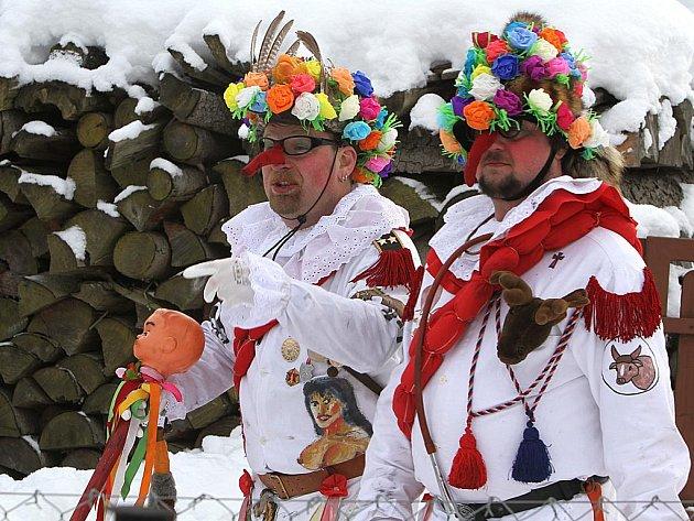 Tradiční masky rejdily tentokrát v Hamrech na Hlinecku. Masopustní průvod je zapsaný v nehmotném světovém dědictví Unesco.