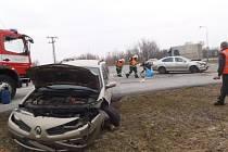 Ve čtvrtek 14. března v 9.30 hodin vyjeli profesionální hasiči k dopravní nehodě, jež se stala v Hrochově Týnci. Jednalo se o střet dvou osobních automobilů Škoda Octavia a Renault Mégane.