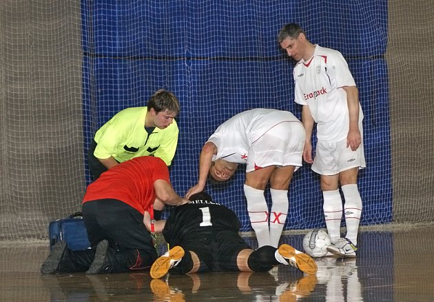 Era-Pack Chrudim porazil i ve druhém čtvrtfinále play off I. futsalové ligy Torf Pardubice venku 3:2 a postupuje do dalších bojů.