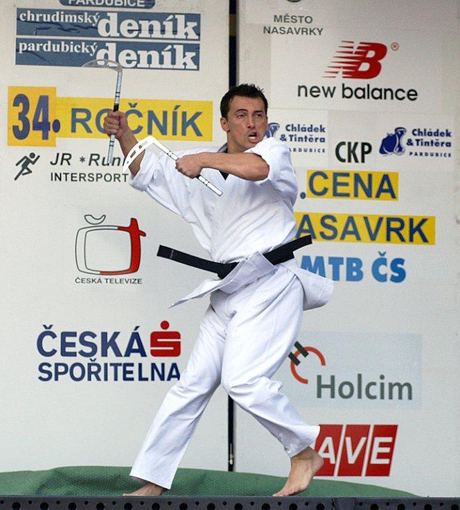 Diváky pobavil karatistický mistr Roman Volák.