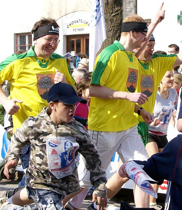 Trojice politiků Toman, Chvojka a Málek nechyběla ani v početném poli běžců lidového běhu.
