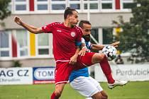 Kapitán příkladem. Výhru prvního zápasu nové sezony trefil ukázkovou rybičkou Ondřej Kesner (v červeném).