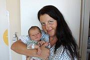 DANIEL ŠUSTR. Miroslav a Žaneta ze Rváčova se 12.6. v 7:14 stali poprvé rodiči. Jejich Daniel vážil 3,33 kg a měřil 50 cm.