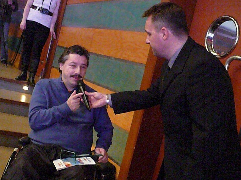 Jednu z cen v kategorii handicapovaných sportovců získali boccisté z TJ Luže-Košumberk Radek Procházka a Leoš Lacina (na snímku).