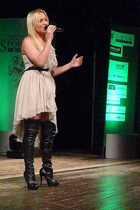 Součástí kulturního programu bylo i vystoupení zpěvačky Martiny Pártlové.