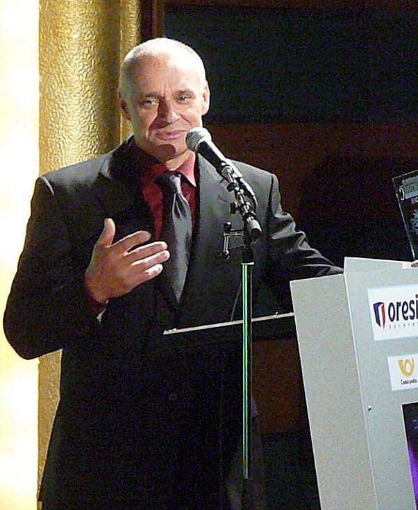 Josef Macháček se může opět radovat z trofeje pro Nejúspěšnějšího sportovce Chrudimska v kategorii jednotlivci dospělí, tentokrát za rok 2010.