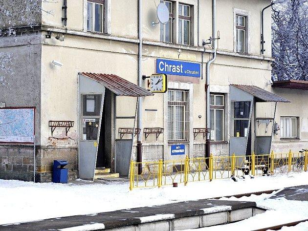 Vlakové nádraží v Chrasti.