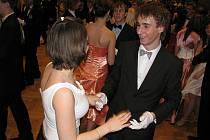 Sokolovna slouží i tancechtivým párům.
