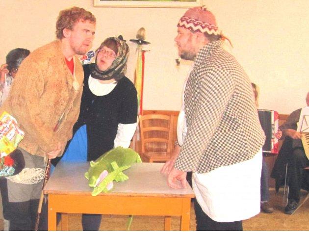Divadelní soubor Kvítek si pro seniory připravil zajímavé představení.