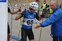 ANNA TKADLECOVÁ se stala dorosteneckou mistryní ČR v letním biatlonu na kolečkových lyžích.