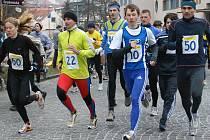 Účastníci jubilejního Novoročního běhu Chrudimí vyběhli do roku 2009 správnou nohou.