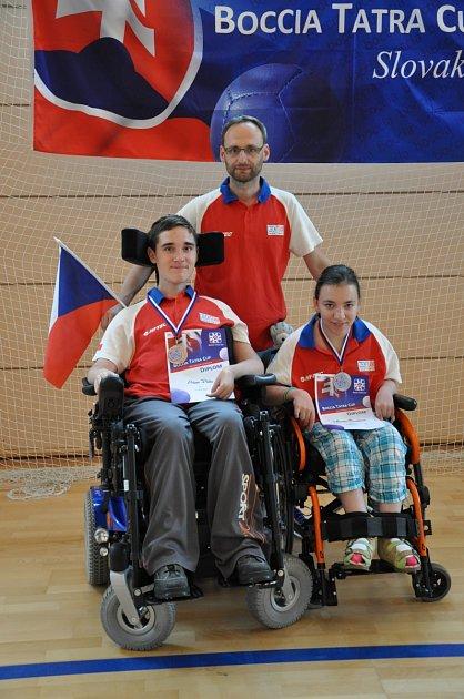 Marcela Čermáková a Adam Peška zTJ Léčebna Košumberk přivezli medaile zBoccia Tatra Cupu.