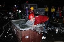Noční závody hasičů na Seči 2012.