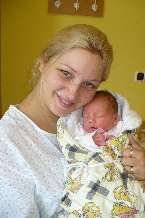 GABRIELA STRELCOVÁ je po 4leté Lauře dalším potěšením Elišky a Jakuba Strelcových z Městce. Na svět přišla 29.7. ve 12:15 s váhou 2,84 kg.