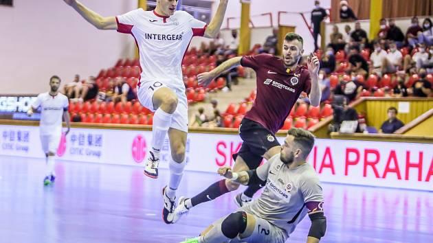 Poslední ligový zápas doma se datuje na 12. září, tehdy chrudimští futsalisté v televizním duelu remizovali se Spartou. Teď budou chtít proti nováčkovi posbírat sebevědomí před Ligou mistrů.