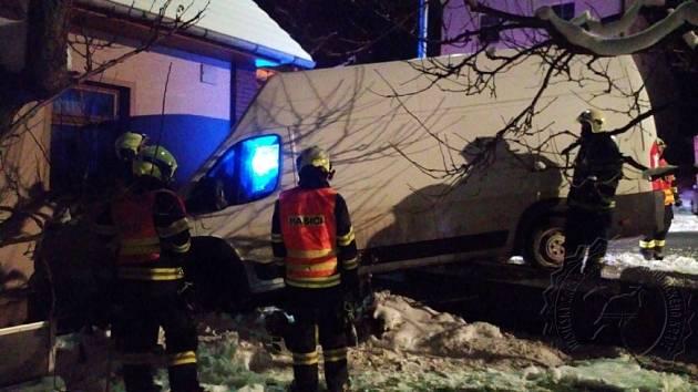 Nehoda se obešla bez úniku provozních náplní. Velké štěstí bylo, že se při nehodě nikdo nezranil.