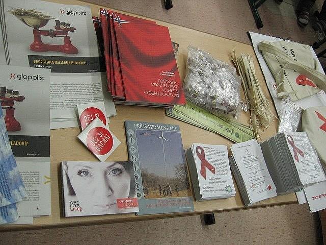 Střední škola zemědělská a Vyšší odborná škola Chrudim uspořádala zajímavou přednášku o problematice nemoci AIDS.