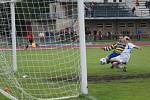 GÓL NA DVA JEDNA. Fotbalisté místního AFK ukončili nepříjemnou sérii čtyř zápasů bez vítězství ve 27. kole divizní skupiny C, když zdolali třetí tým tabulky.
