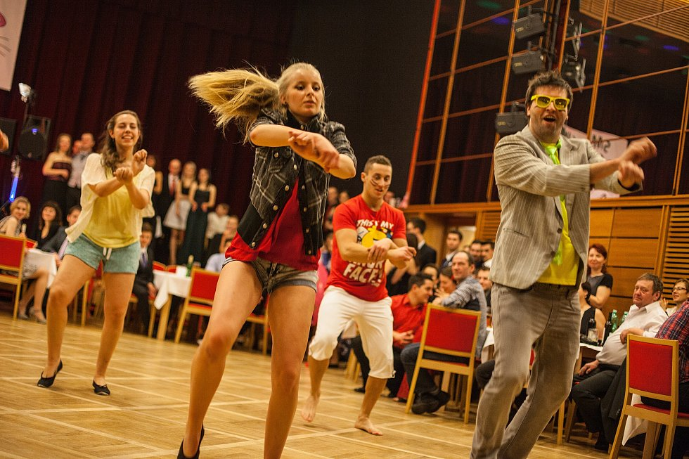 Šestý ples SMT Skuteč