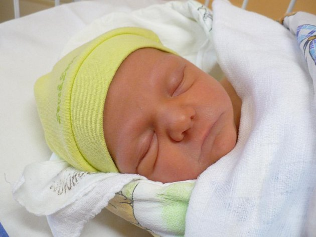 První dítě narozené letos v chrudimské nemocnici - Lucie Zuzaňáková.