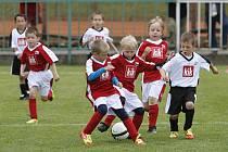 FC Hlinsko uspořádal fotbalový turnaj školiček pro hráče ročníku 2005. Akce byla pod záštitou FAČR a jejího předsedy Miroslava Pelty.