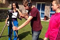 Žáci se během letní školy naučili například pracovat s filmovou technikou.
