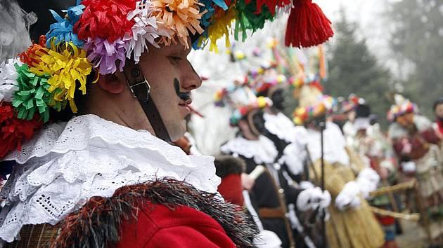 Na Veselém kopci u Hlinska se v sobotu uskutečnily tradiční masopustní obchůzky