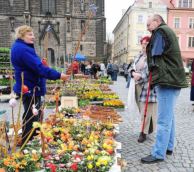 Trhy na Resselově náměstí se tentokrát nesly ve velikonočním duchu.