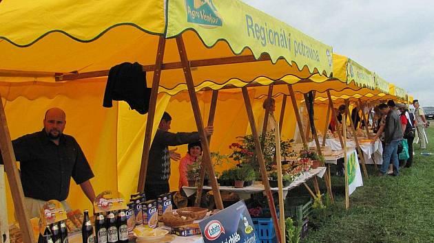 Zemědělská výstava Naše pole v Nabočanech.