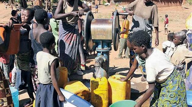 Voda je v africkém Kongu nedostatkovým zbožím.