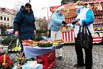Vánoční trhy na Resselově náměstí.