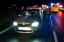 Kolize tří osobních vozidel si vyžádala čtyři zraněné osoby