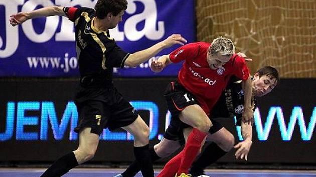Český futsalový mistr Era-Pack Chrudim sice v Elite Round UEFA Futsal Cupu 2010 nezavršil svůj sen postoupit mezi nejlepší čtyři týmy Evropy, ale proti favoritům zahrál výborně. Se Sportingem remizoval 4:4 a s ElPozo Murcia prohrál 1:3.