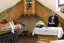 POHŘEB KANTORKA. V sobotu v evangelickém kostele na Pardubické ulici v Chrudimi měl pohřeb Jan Kantorek, který byl dlouholetým farářem Českobratrské církve evangelické.