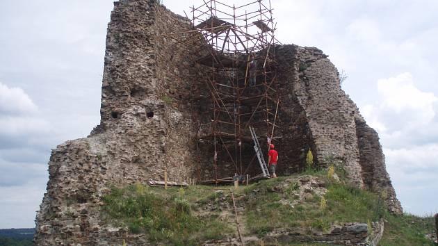 Stavba rozhledny na Lichnici