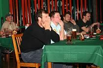 Tahle prožívali utkání MS 2009 Finsko - ČR hosté restaurace Kleopatra v Chrudimi.