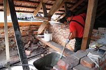 Sbor dobrovolných hasičů v Běstvině sídlí ve starším objektu, který potřebuje nutnou opravu.