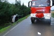Střet s osobním vozem mezi Třemošnicí a Běstvinou nepřežil cyklista.