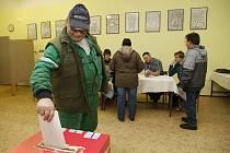V prvním kole prezidentské volby byly na Chrudimsku již dvacet minut po sobotní 16. hodině sečteny všechny hlasy. Vítězem všelidového hlasování se tu stal Miloš Zeman. Jako druhý se na Chrudimsku umístil Karel Schwarzenberg.