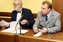 PODMÍNKA. S takovým trestem odešel od Krajského soudu v Hradci Králové Miloslav Kaňovský obžalovaný z trestného činu pohlavního zneužívání. Proti verdiktu se může odvolat.