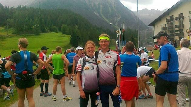 Kateřina Matrasová na startu závodu v Davosu s manželem Tomášem.