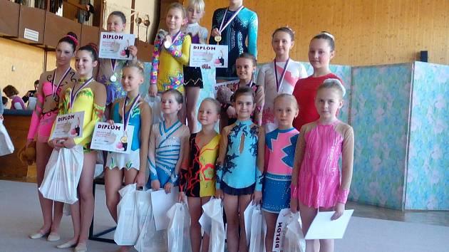 Chrudimské moderní gymnastky přijely z prvního závodu sezony obtěžkány medailemi