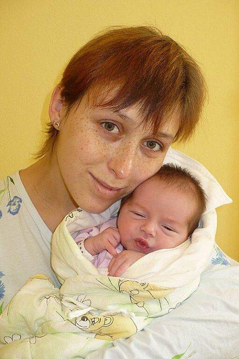 DÁŠA PEŠKOVÁ potěšila rodiče Dášu a Petra z Vítanova svým narozením 17. února v 10:42 přímo na porodním sále. S sebou si přinesla váhu 3 145 gramů.
