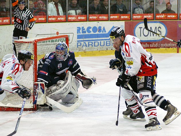 Chrudim prohrála v úvodním utkání play off I. hokejové ligy s Benátkami  2:3 po SN.
