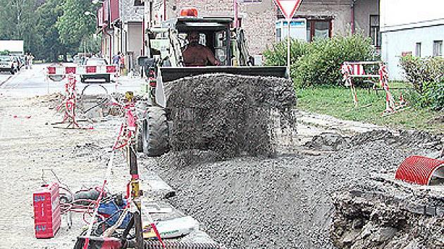 Oprava Šafaříkovy ulice v Hlinsku.