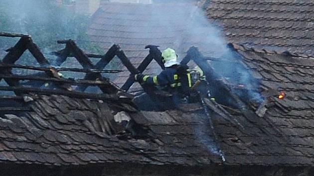Hasiči zasahovali u požáru v dolní části chrudimské Široké ulice.