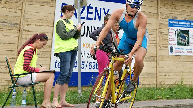 Vítězný triatlonista Václav Seifert  z Liberce.