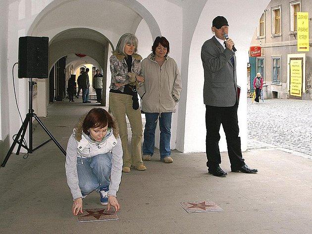 Podsíň slávy v chrudimské Štěpánkově ulici.