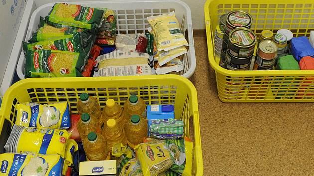 Trvanlivé potraviny poslouží potřebným.
