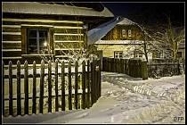 Zasněžený noční Betlém v Hlinsku